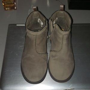 Oshkosh ankle boots